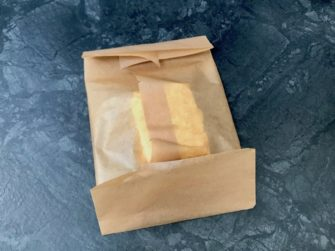 butter-in-backpapier-packen